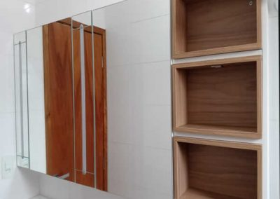 Marcenaria Miranda Design - Armário com espelho e Iluminação abc