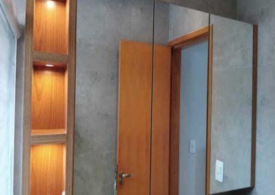 Marcenaria Miranda Design - Armário de banheiro com espelho e nichos Freijó (1)