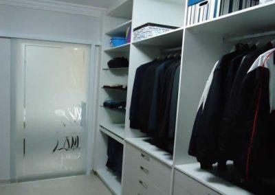 Marcenaria Miranda Design - Closet Branco e Linho -Marcenaria emSanto André