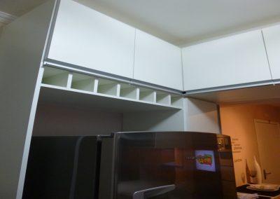 Marcenaria Miranda Design - Cozinha pequena planejada vinho Santo André (1) - Cópia