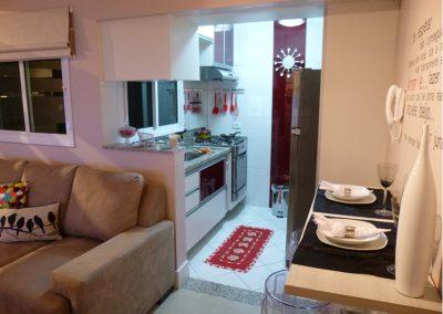 Marcenaria Miranda Design - Cozinha pequena planejada vinho Santo André (2)