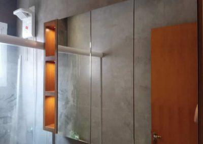 Marcenaria Miranda Design Santo André - Armário de banheiro com espelho e nichos Freijó