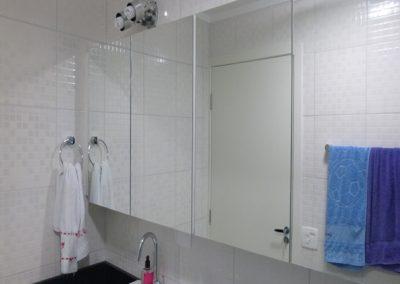 Marcenaria Miranda Design Vila Pires - Armário com portas em espelho