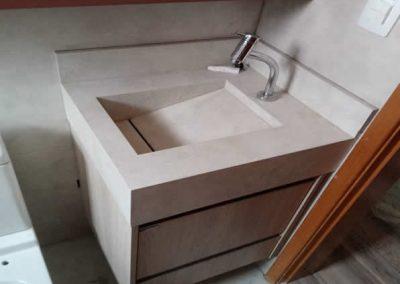 Marcenaria Miranda Design em Santo André - Armário de banheiro com espelho e nicho Rosa